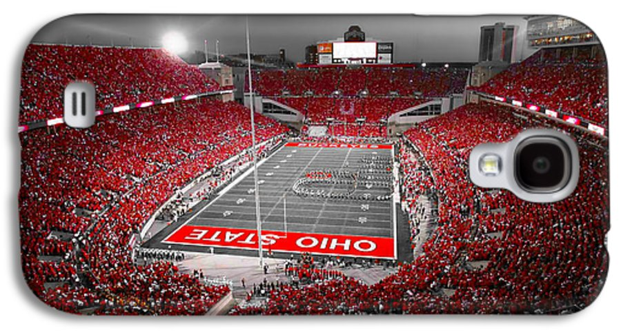 Ohio Galaxy S4 Case featuring the photograph A Scarlet Stage by Kenneth Krolikowski