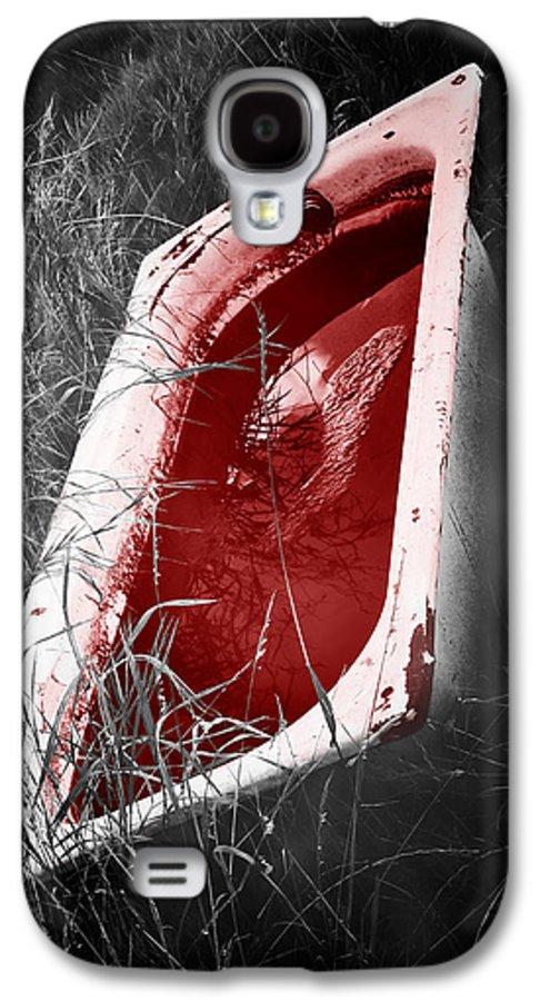 Bathtub Galaxy S4 Case featuring the photograph Bloody Bathtub by Wim Lanclus