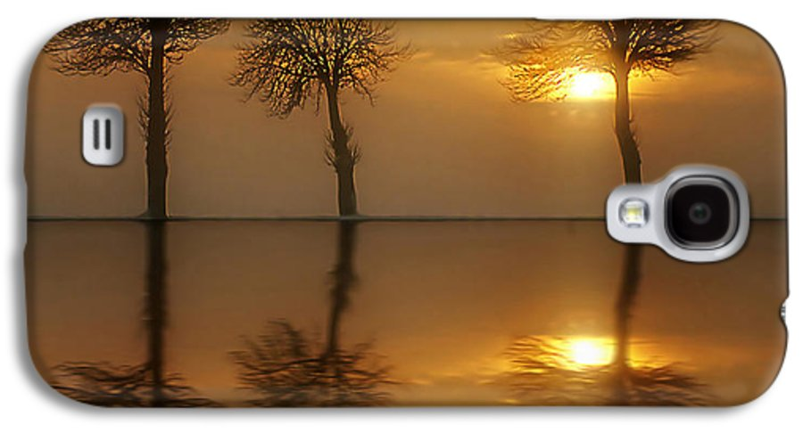 Sunset Galaxy S4 Case featuring the photograph Remains Of The Day by Jacky Gerritsen
