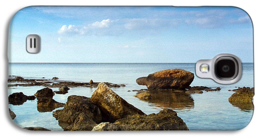 Abstract Galaxy S4 Case featuring the photograph Serene by Stelios Kleanthous