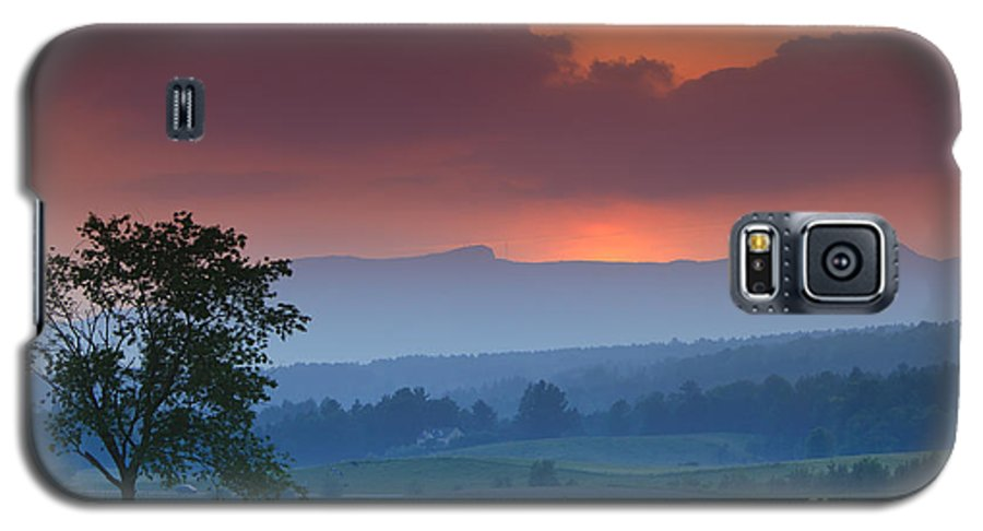Mt. Mansfield Galaxy S5 Case featuring the photograph Sunset Over Mt. Mansfield In Stowe Vermont by Don Landwehrle