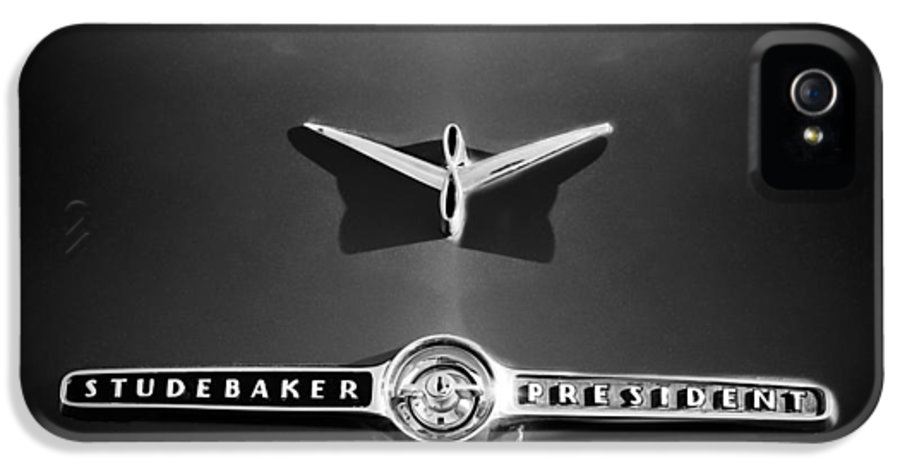 1955 Studebaker President Emblem IPhone 5 / 5s Case featuring the photograph 1955 Studebaker President Emblem by Jill Reger