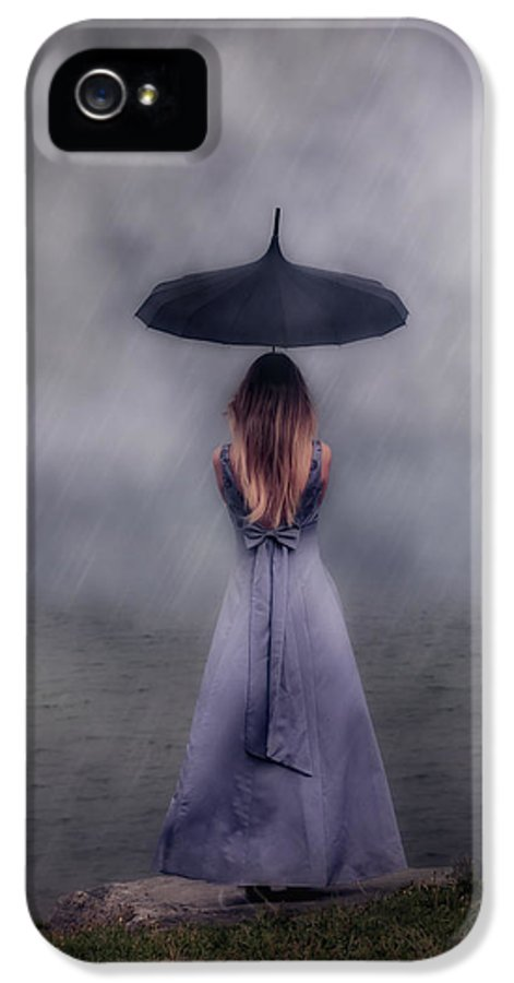 Girl IPhone 5 / 5s Case featuring the photograph Black Umbrella by Joana Kruse