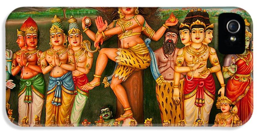 Buddha IPhone 5 / 5s Case featuring the photograph Hindu God by Niphon Chanthana