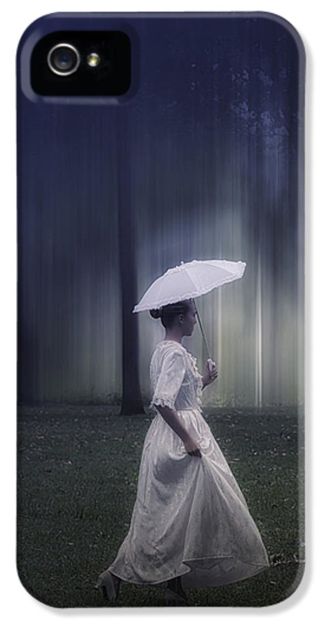 Girl IPhone 5 / 5s Case featuring the photograph Lady In The Woods by Joana Kruse