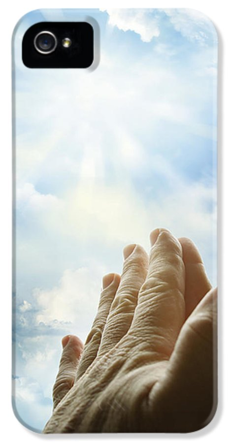 Christian IPhone 5 / 5s Case featuring the photograph Prayer by Les Cunliffe