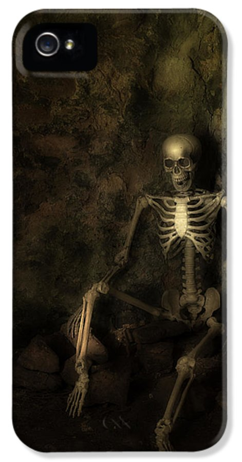Skeleton IPhone 5 / 5s Case featuring the photograph Skeleton by Amanda And Christopher Elwell