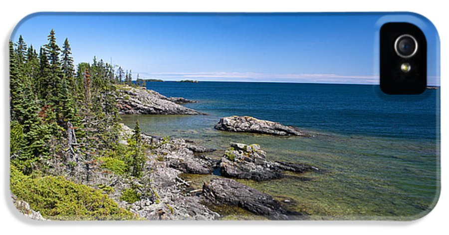 Rocky Coast IPhone 5 / 5s Case featuring the photograph View Of Rock Harbor And Lake Superior Isle Royale National Park by Jason O Watson