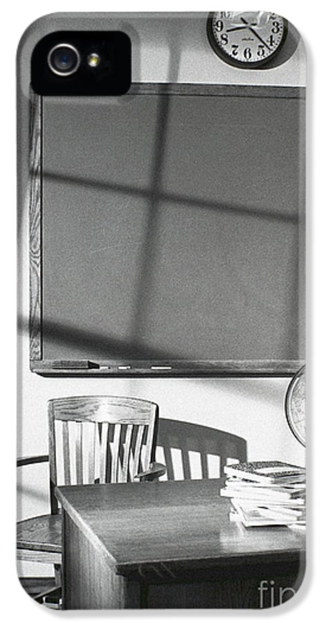 School IPhone 5 / 5s Case featuring the photograph Classroom by Tony Cordoza