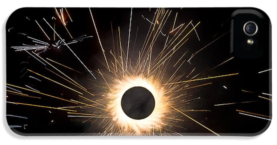 Pyro IPhone 5 / 5s Case featuring the photograph Fireworks by Akash Routh