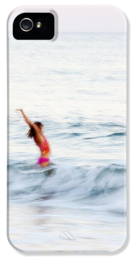 Girl IPhone 5 / 5s Case featuring the photograph Last Days Of Summer by Carol Leigh