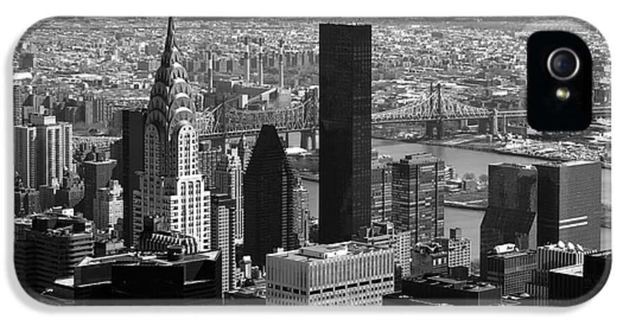 Bw IPhone 5 / 5s Case featuring the photograph Manhattan by RicardMN Photography