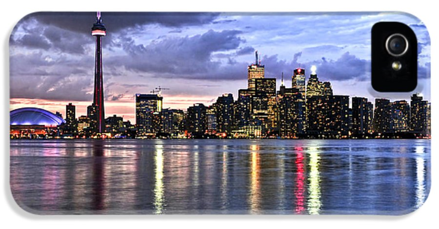 Toronto IPhone 5 / 5s Case featuring the photograph Toronto Skyline by Elena Elisseeva