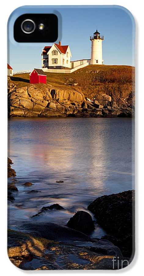 Nubble IPhone 5 / 5s Case featuring the photograph Nubble Lighthouse by Brian Jannsen