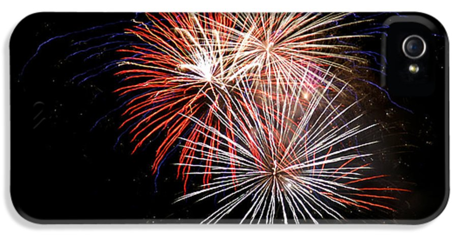 Fireworks IPhone 5 / 5s Case featuring the photograph 4th Of July 7 by Marilyn Hunt