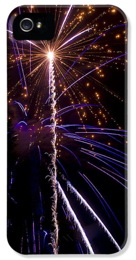 4th IPhone 5 / 5s Case featuring the photograph 4th Of July Fireworks by Ray Devlin