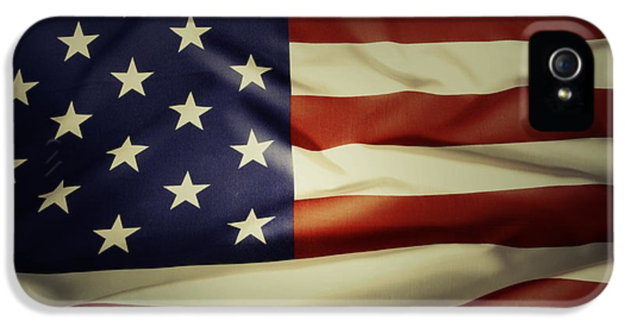 American Flag IPhone 5 / 5s Case featuring the photograph American Flag by Les Cunliffe