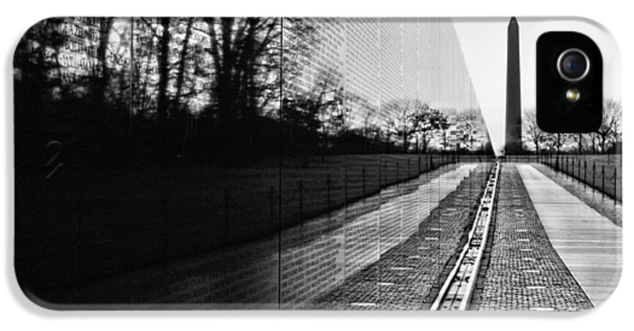 Vietnam Wall IPhone 5 / 5s Case featuring the photograph 58286 by JC Findley