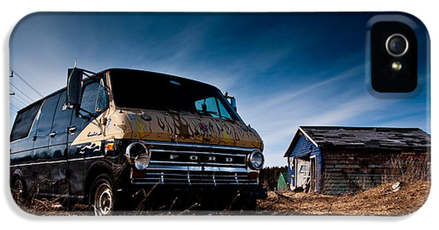 Landscape IPhone 5 / 5s Case featuring the photograph Abandoned Ford Van by Cale Best