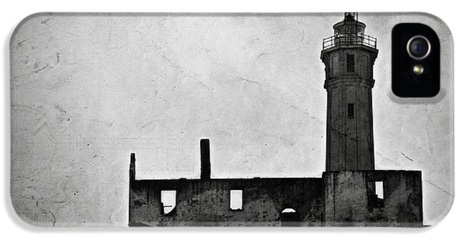 Alcatraz Island IPhone 5 / 5s Case featuring the photograph Alcatraz Island Lighthouse by RicardMN Photography