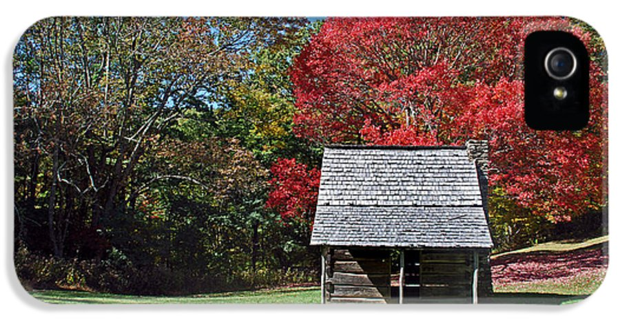 Scenic Tours IPhone 5 / 5s Case featuring the photograph Autum For A Mountain Home by Skip Willits