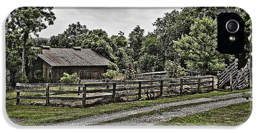 Landscape IPhone 5 / 5s Case featuring the photograph Barn And Corral by Guy Shultz