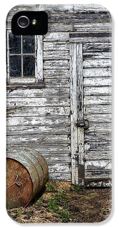 Barn IPhone 5 / 5s Case featuring the photograph Barn Door by Armando Picciotto