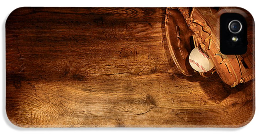 Baseball IPhone 5 / 5s Case featuring the photograph Baseball by Olivier Le Queinec