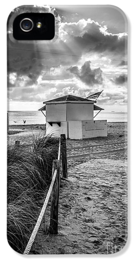 America IPhone 5 / 5s Case featuring the photograph Beach Entrance To Old Glory - Black And White by Ian Monk