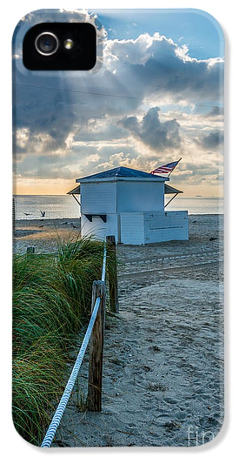 America IPhone 5 / 5s Case featuring the photograph Beach Entrance To Old Glory by Ian Monk