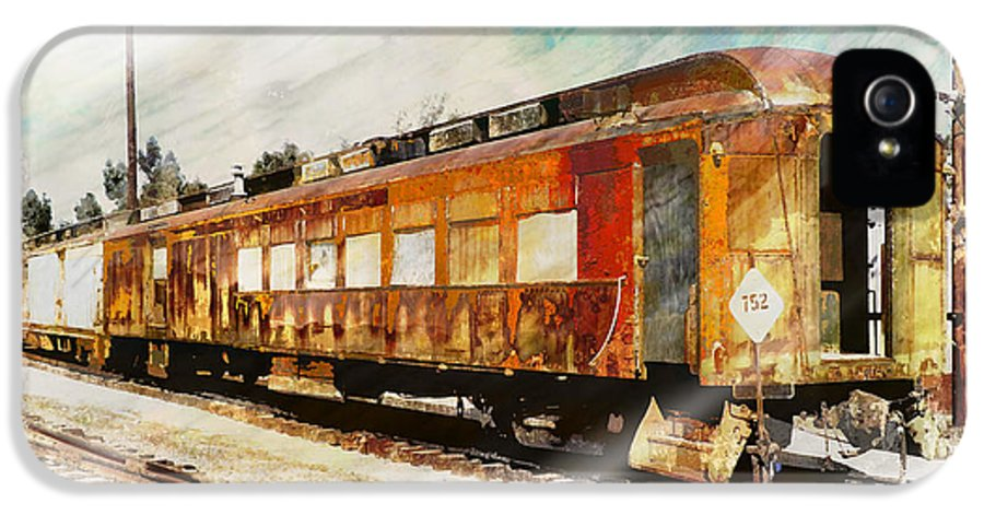 Train Cars IPhone 5 / 5s Case featuring the photograph Bit Of Rust by Robert Ball