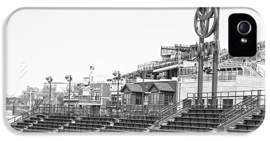 Wrigley Field IPhone 5 / 5s Case featuring the photograph Bleachers by David Bearden