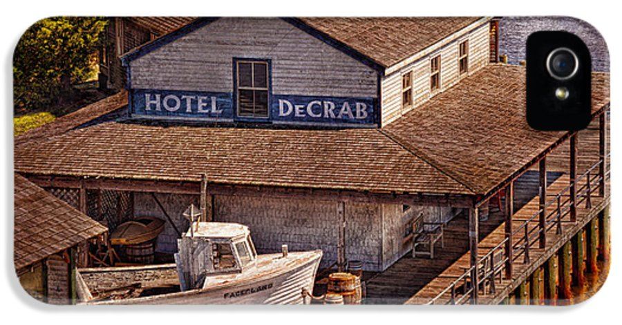 Hdr IPhone 5 / 5s Case featuring the photograph Boat - Tuckerton Seaport - Hotel Decrab by Mike Savad