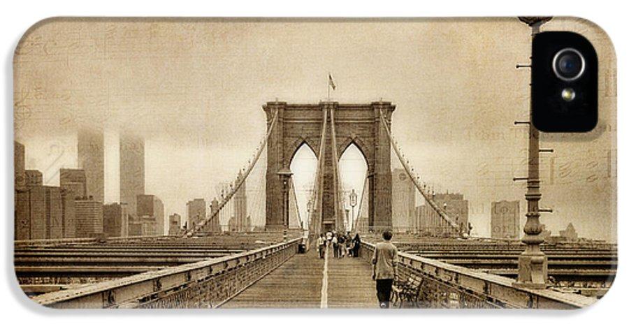 Brooklyn Memoirs IPhone 5 / 5s Case by Joann Vitali