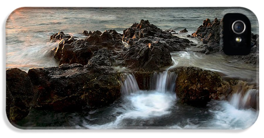 Sunset IPhone 5 / 5s Case featuring the photograph Bubbling Cauldron by Mike Dawson