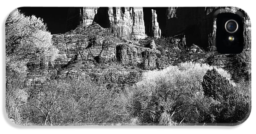 Cathedral Rock IPhone 5 / 5s Case featuring the photograph Cathedral Rock by John Rizzuto