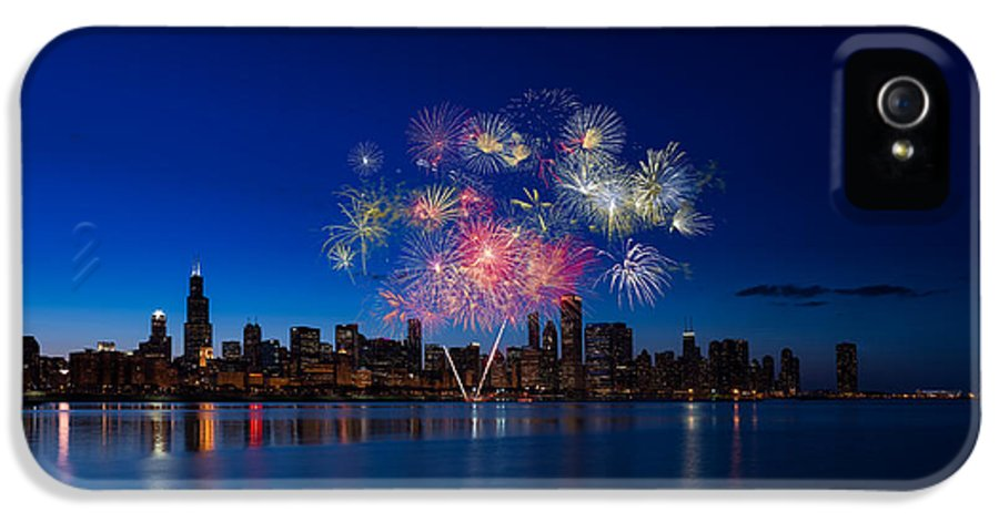 Chicago IPhone 5 / 5s Case featuring the photograph Chicago Lakefront Fireworks by Steve Gadomski