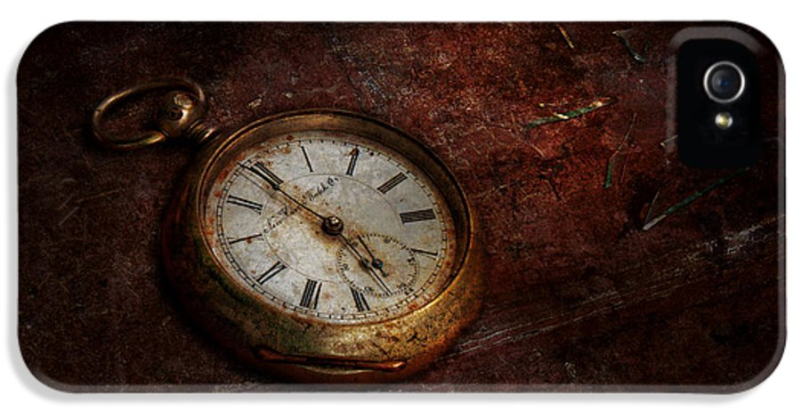 Clockmaker IPhone 5 / 5s Case featuring the photograph Clock - Time Waits by Mike Savad