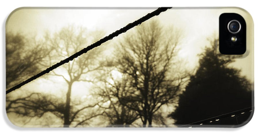 Empty IPhone 5 / 5s Case featuring the photograph Clotheslines by Les Cunliffe