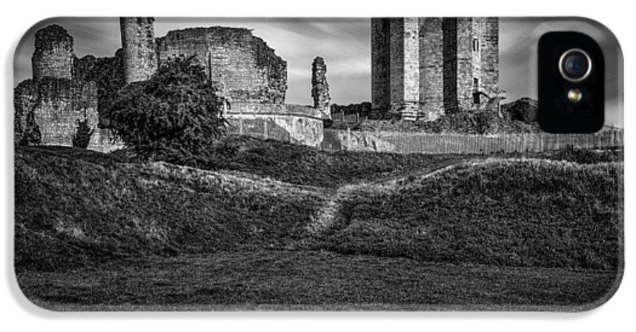 Conisbrough Castle IPhone 5 / 5s Case featuring the photograph Conisbrough Castle Doncaster by Ian Barber