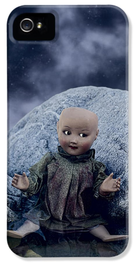Doll IPhone 5 / 5s Case featuring the photograph Creepy Doll by Joana Kruse