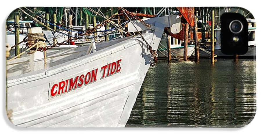 Alabama IPhone 5 / 5s Case featuring the digital art Crimson Tide Bow by Michael Thomas