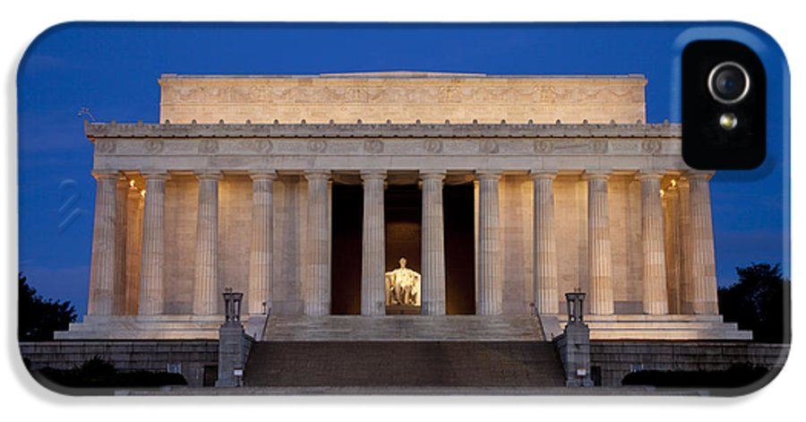 Lincoln Memorial IPhone 5 / 5s Case featuring the photograph Dawn At Lincoln Memorial by Brian Jannsen