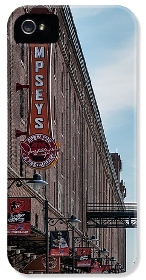 Baltimore IPhone 5 / 5s Case featuring the photograph Dempseys Brew Pub by Susan Candelario