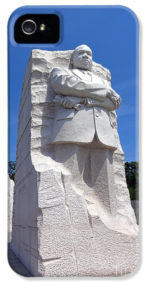 Washington IPhone 5 / 5s Case featuring the photograph Dr Martin Luther King Memorial by Olivier Le Queinec