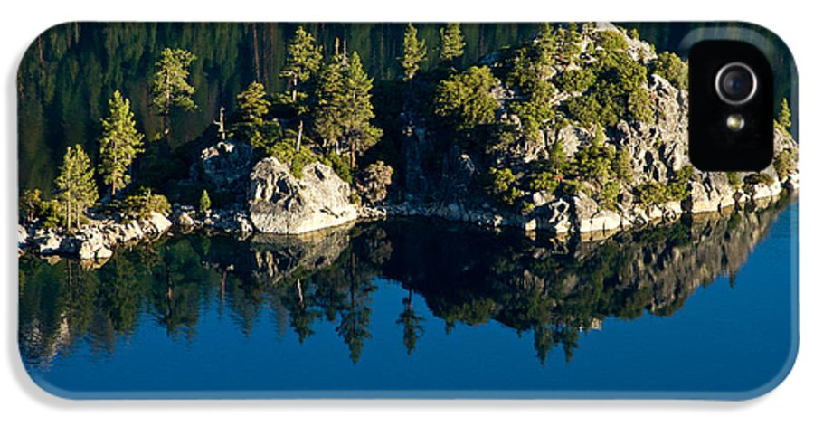 Lake Tahoe IPhone 5 / 5s Case featuring the photograph Emerald Isle by Bill Gallagher