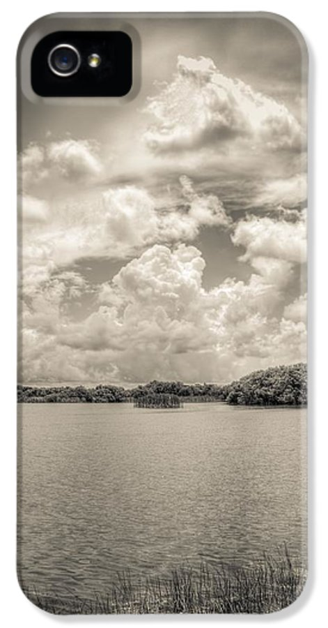 Everglades IPhone 5 / 5s Case featuring the photograph Everglades Lake 6919 Bw by Rudy Umans