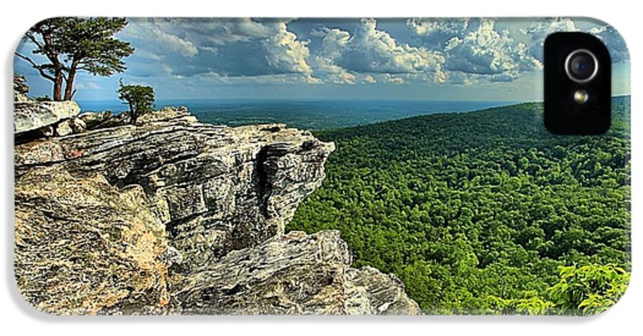 Hanging Rock State Park IPhone 5 / 5s Case featuring the photograph Face In The Cliff by Adam Jewell