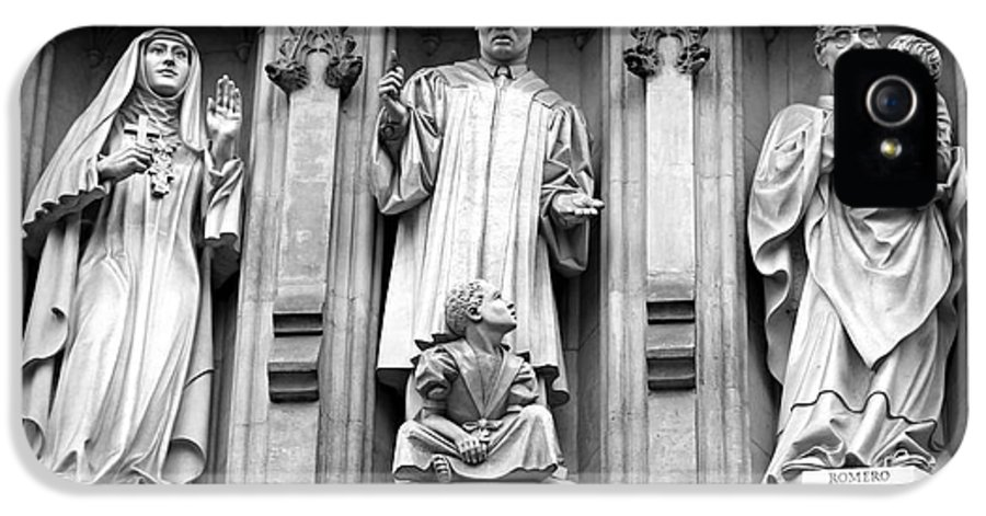 Mlk IPhone 5 / 5s Case featuring the photograph Faithful Witnesses -- Martin Luther King Jr Remembered With Bishop Romero And Duchess Elizabeth by Stephen Stookey