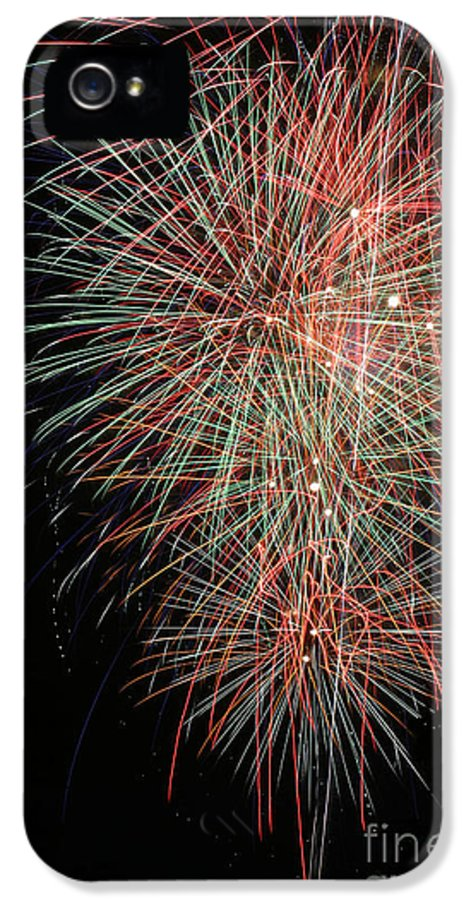 Firework IPhone 5 / 5s Case featuring the photograph Fireworks6500 by Gary Gingrich Galleries
